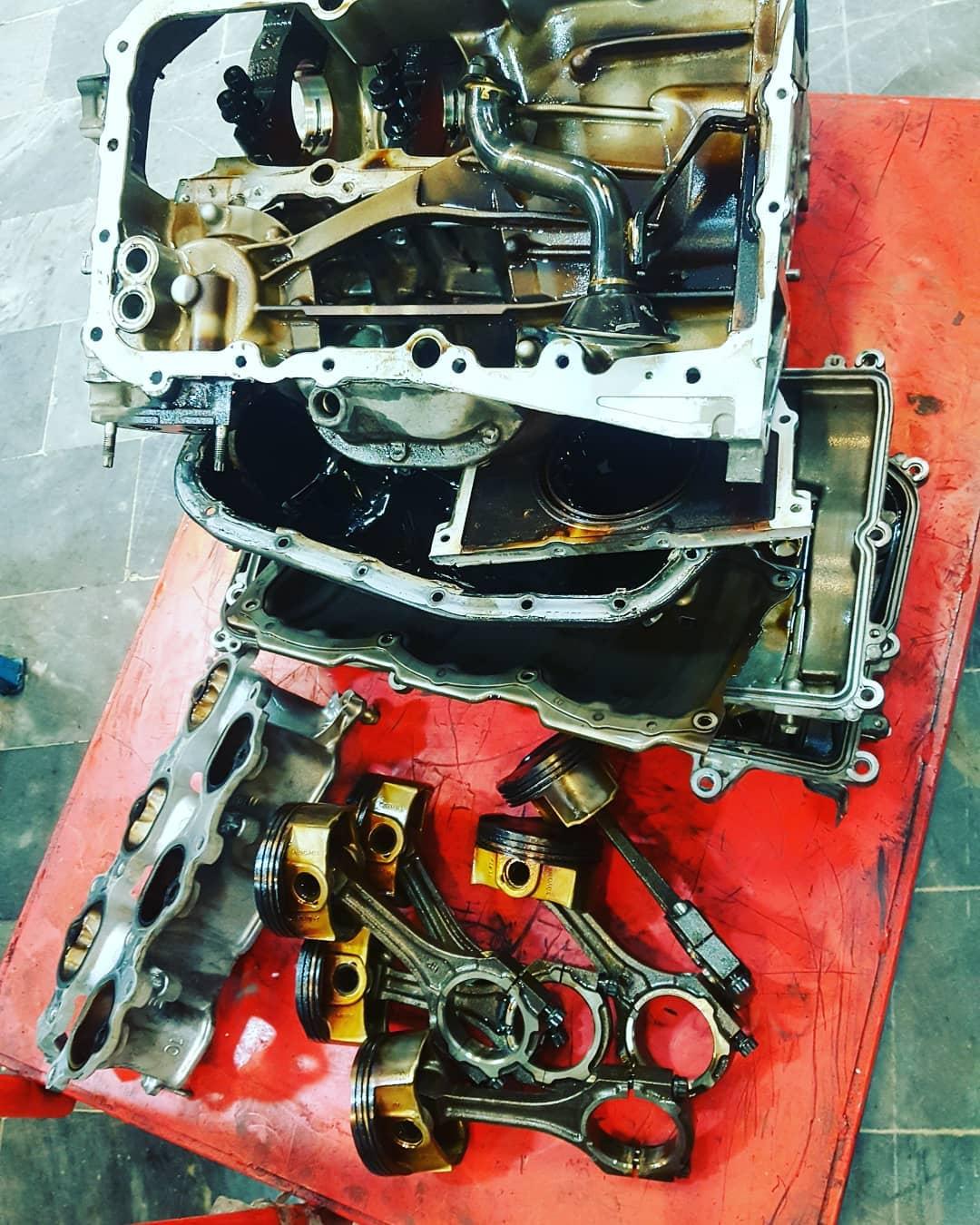 تعمیرات تخصصی موتور و  گیربکس اتوماتل لندکروز